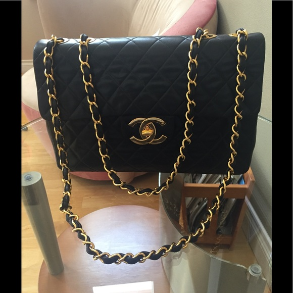 CHANEL Handbags - HP🔥CHANEL JUMBO QUILTED DOUBLE CHAIN SHOULDER BAG 165f1599a2